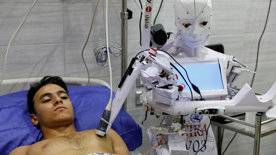 En Egypte, un robot au chevet des malades de la Covid